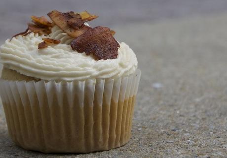 Vegan-Coconut-Bacon-Cupcake
