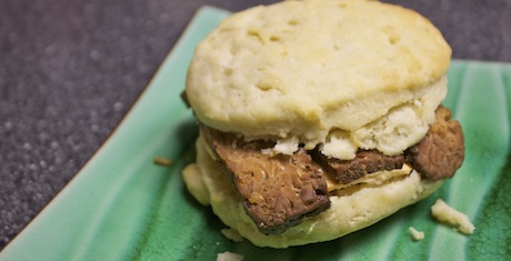 Vegan-Breakfast-Sandwich