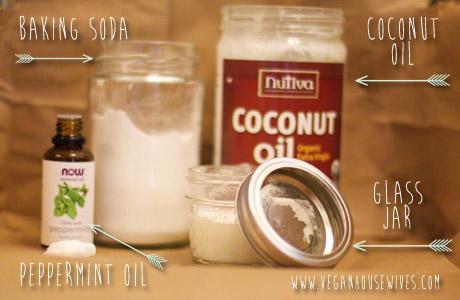 DIY-Toothpaste-Coconut-Oil